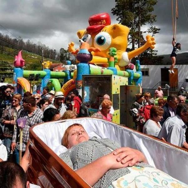 Вокруг планеты: В Испании прошел фестиваль выживших