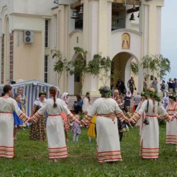 Великий четверг 24 мая: традиции и обычаи древнейшего праздника Семика