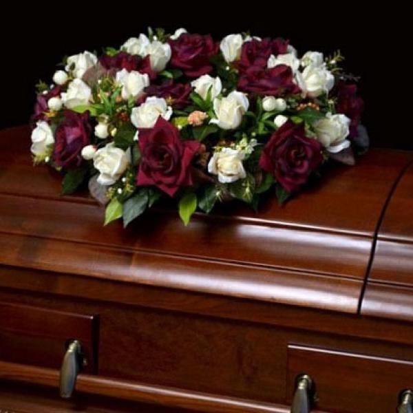 """Работник похоронного бюро - самая """"пожилая"""" профессия в США"""