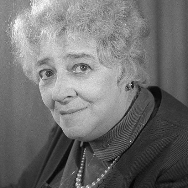 Напишите на надгробии, что умерла от отвращения: 19 июля - День памяти уроженки Таганрога Раневской