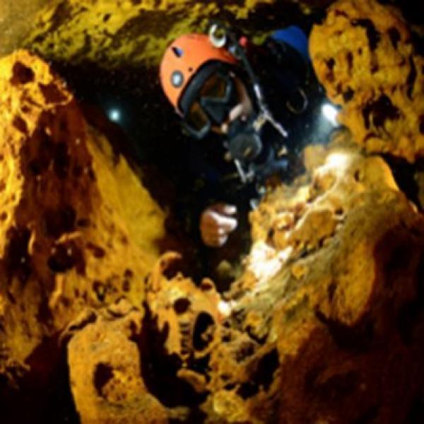 Дайверы нашли уникальное подводное кладбище